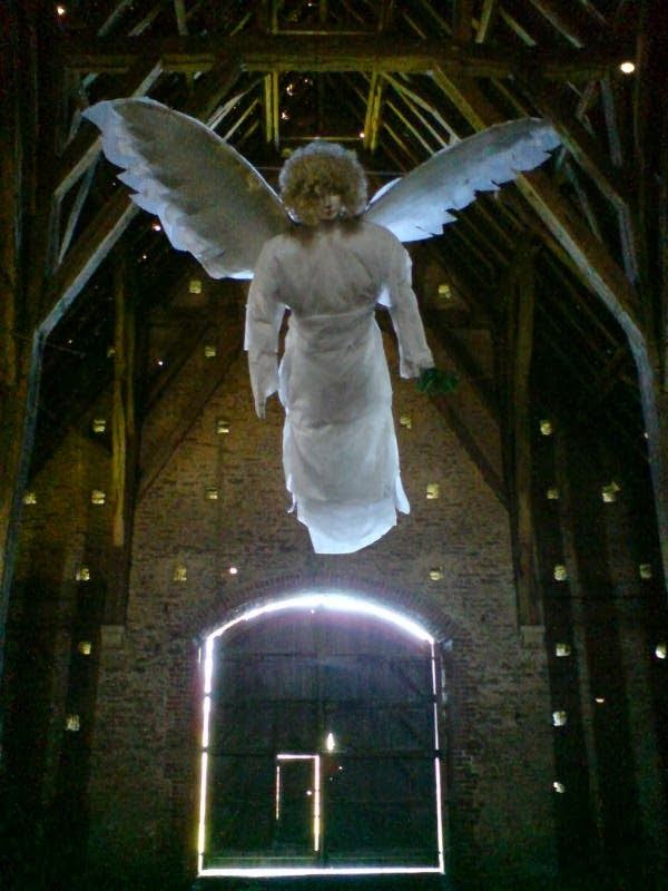 Barn angel