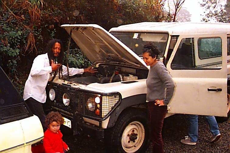 desmond takes delivery of his land rover